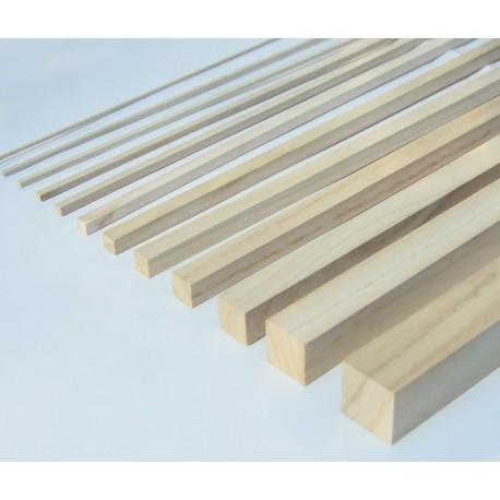 Cuadrado de madera en Paulownia
